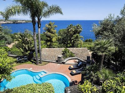 Photo for vacation holiday large villa rental italy, sicily, acireale, near catania, pool, view, air conditioning, wi-fi internet,