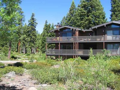 Rocky Ridge Vacation Rental End Unit with Forest Setting