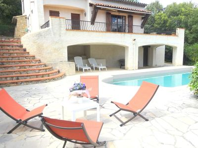 Photo for Nice holiday villa on a private domaine in the area of the Haut Var