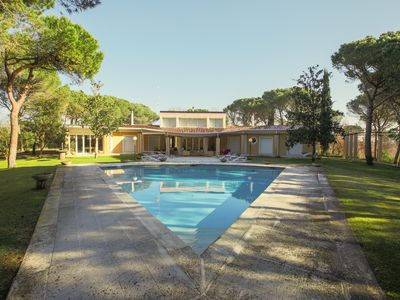 Photo for Villa up to 14 people to play the PGA Golf. With pool, billiards and table football