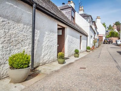 Photo for Traditional fisherman's cottage in the scenic Black Isle village of Avoch
