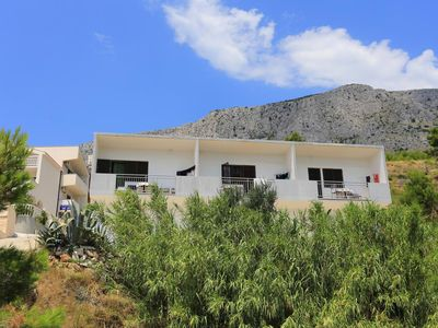 Photo for One bedroom apartment with balcony and sea view Lokva Rogoznica, Omiš (A-17645-c)