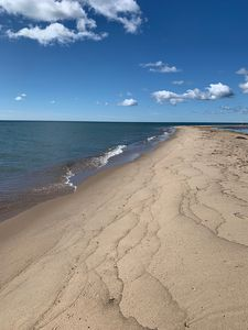 Barefoot Bungalow- Charming beach house on the sandy shores of Lake Huron
