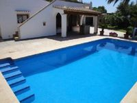 Lovely Villa with Great pool and BBQ