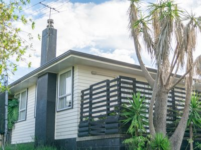 Photo for Beautiful, Cosy Retreat in Auckland *Best Value