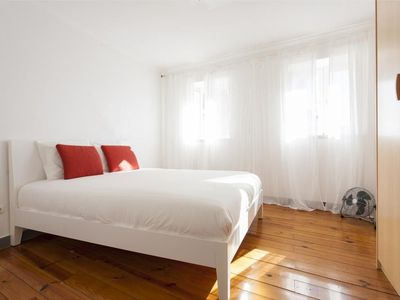 Photo for Apartment in the center of Lisbon with Internet, Washing machine (342842)