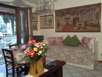 Photo for Central apartment in Florence with terrace and private parking