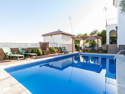 Photo for Rural house with pool, barbecue and free wifi