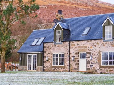 Photo for Beautiful Converted Cottage with Stunning Loch and Mountain views