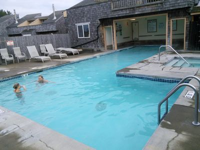 Photo for Beautiful Beach, Pool + Hot- Tub, Kitchen, Fireplace, Sleeps 6, Free WiFi