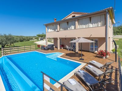 Photo for Modernly equipped two bedroom apartment with private pool for 4-6 people