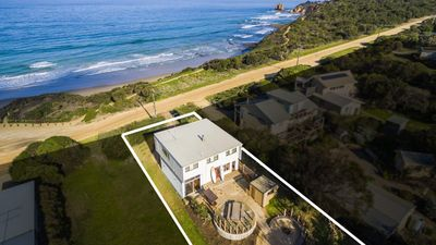 Happy Days Surf House - Ocean Views and Walk to Beach
