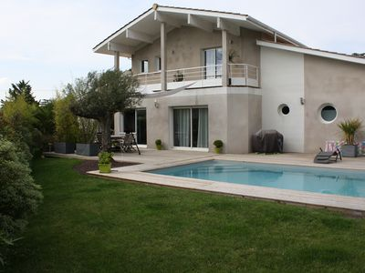 Photo for Luxurious villa 10 minutes from Bordeaux