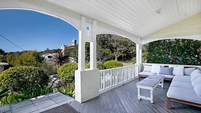 Photo for FAB05 - Charming Leafy 3BR Home, Walk To Manly Beach