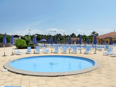 Photo for Cosy apartment for 8 guests with pool, WIFI, TV, balcony, pets allowed and parking