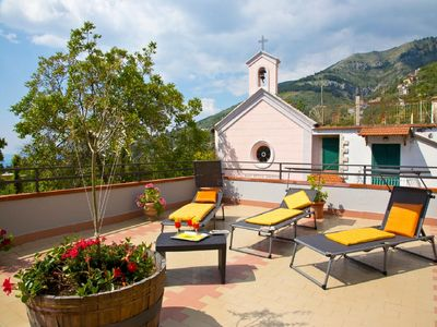 Photo for Newly-refurbished apartment with private solarium near Sorrento