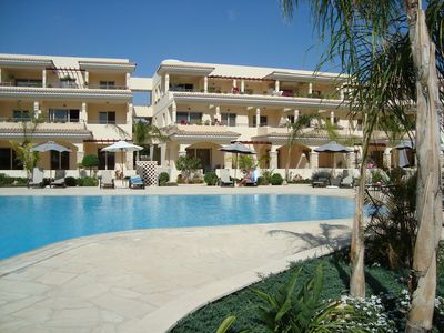 Photo for Spacious pool side 2 Bedroom Apartment