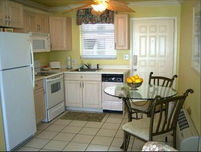 Fully furnished kitchen with dishwasher & disposal.