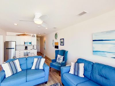 Photo for Lovely Gulf front condo w/ beach access, balcony with beach views, & free WiFi!