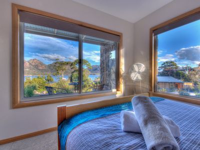 Photo for Ocean & mountain views, 1 min walk to waterfront, shop, cafe & ice creamery.