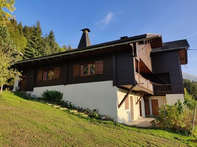 Photo for Traditional chalet 150 m from the slopes