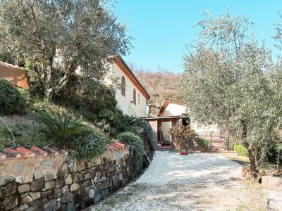 Photo for Cosy apartment in villa for 3 guests with pool, balcony and parking