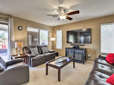Updated Phoenix Home w/Patio, Grill & Pool Table!