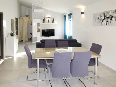 Photo for Apartment MIRJANA (PUL343) in Pula - 4 persons, 2 bedrooms