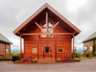 Photo for Upscale, Luxury Log Cabin, Beautiful Mountain views. Home style feel.