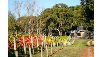 Photo for Vigneron's Delight - Set back overlooking the vines & enjoy a hit of tennis!