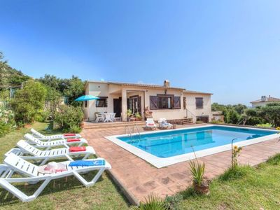 Photo for 3 bedroom Villa, sleeps 6 in Calonge with Pool and WiFi