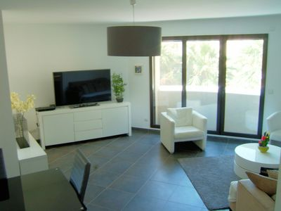Photo for Luxury apartment, perfect for beach and exploring Juan-les-Pins and Antibes,