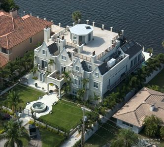 Modern Castle on the Middle River - Central Fort Lauderdale