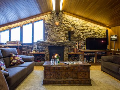 4* Ski Chalet Penthouse (180 sq metres)  in the centre of Soldeu village.