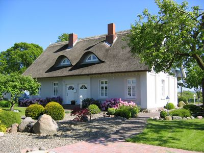 Photo for Beautiful apartment in an idyllic thatched cottage in natural surroundings