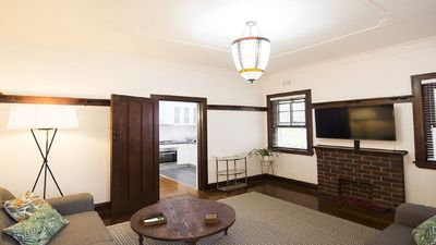 Art Deco inner city oasis. Immaculately restored period features.