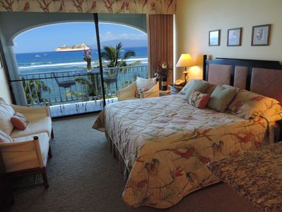 Totally Remodeled in Hawaiian Decor as Fresh as the Ocean Breeze