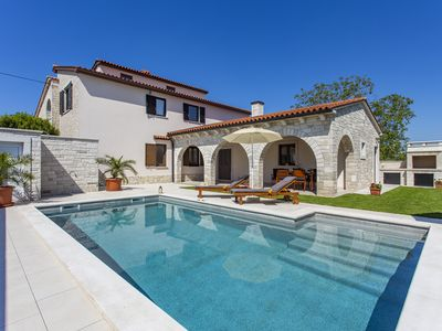 Photo for Charming villa with a private pool