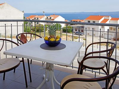 Photo for Comfy 2BR apr for 5•sea view balcony•parking•free pick up- Perla 8