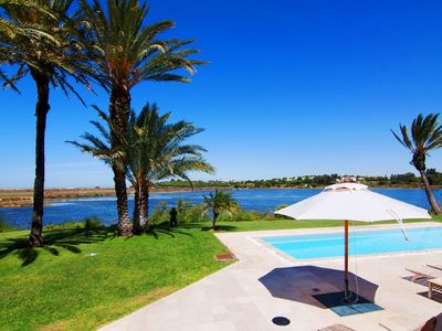 Photo for Villa in Quinta do Lago with stunning lake views U062