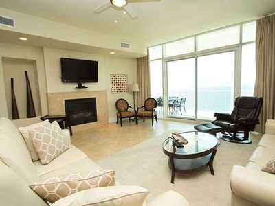 Join our family this holiday season and enjoy the Gulf front views!