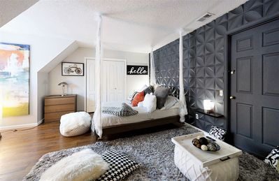 Photo for Pillow Talk - One Bedroom Apartment, Sleeps 4
