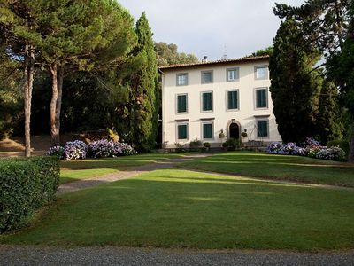 CHARMING VILLA near Lucca with Pool & Wifi. **Up to $-1655 USD off - limited time** We respond 24/7