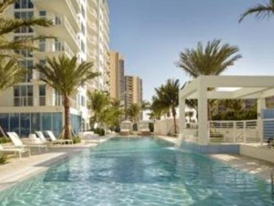 Condo Stps Off Beach W/Spa Services MONTHLY RENTALS ONLY!
