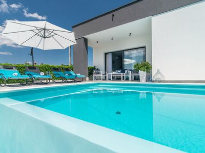 Photo for Gorgeous 4* Two Bedroom Villa Oleandra