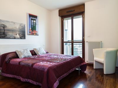 Photo for Cozy & modern apartment - Milan Certosa well connected with Rho Fiera