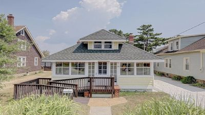 Photo for OCEAN BLOCK charmaing classic summer cottage sleeps 6