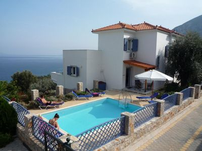 Photo for Beautiful 3 bedroom villa with pool and spectacular sea views