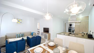 Photo for 2 Bed 2 bath apt, shared pool. Sleeps 4 close to all amenities and beach.
