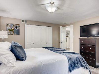 Photo for Red Rocks West Denver Gorgeous 2 bed full kitchen private Apt
